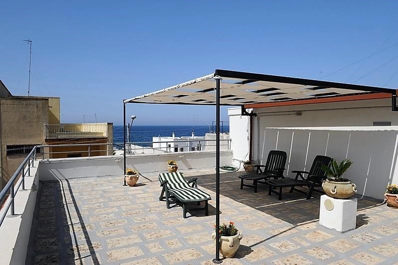 Holiday home in Lido Conchiglie Gallipoli near the beach with panoramic terrace, alquiler vacacional en Lido Conchiglie