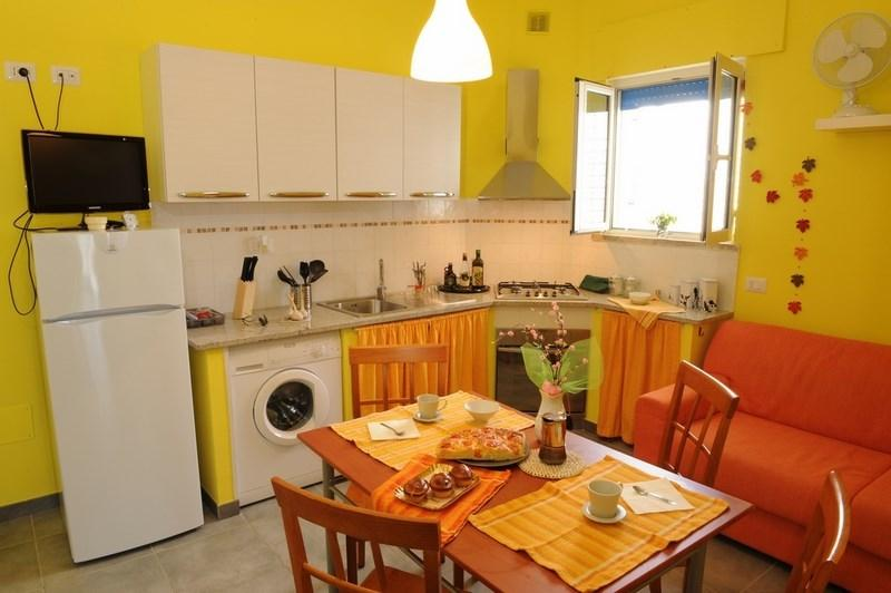 Holiday home in Lido Conchiglie with sea-view terrace just meters from the beach, alquiler vacacional en Lido Conchiglie