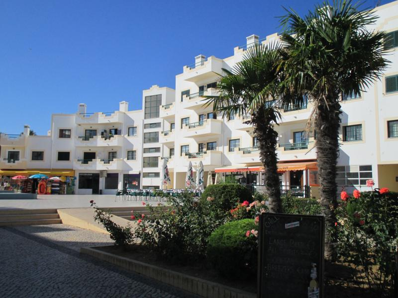 Dunas Alvor - A modern quality development ideally located in the picturesque village of Alvor.