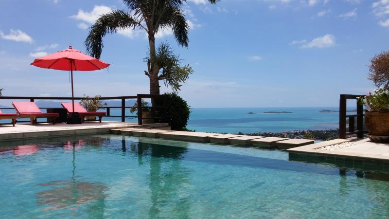 Bophut Talay Seaview villa with 180 degree view., location de vacances à Bophut