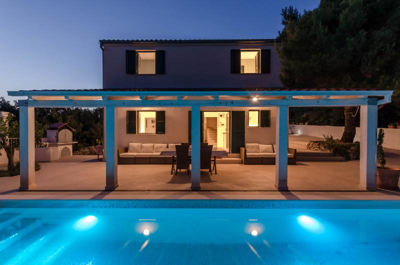 Villa Voga -  Seaview House with Private Pool, holiday rental in Solta Island