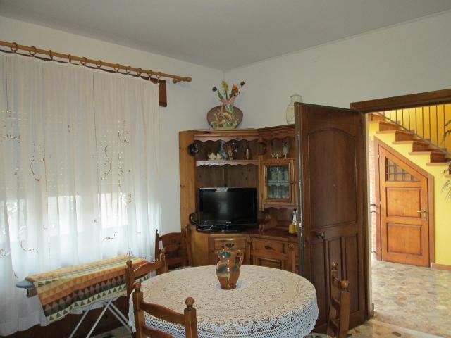 Appartamento nel centro di Santa Maria Navarrese, holiday rental in Baunei
