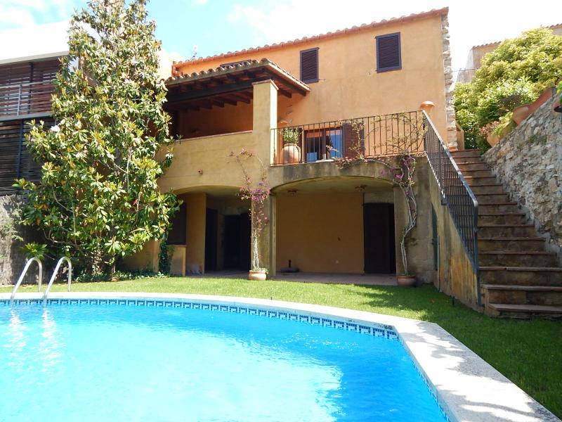 Villa con piscina privada, holiday rental in Begur