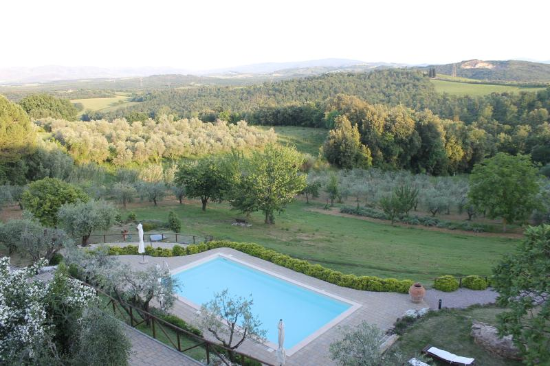 New Casa Titta apt 3 bedrooms , amazing view, holiday rental in San Gimignano