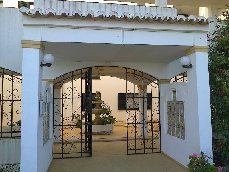 Apartamento VAU - mar e golf mobilado - 4Pax, location de vacances à Alvor