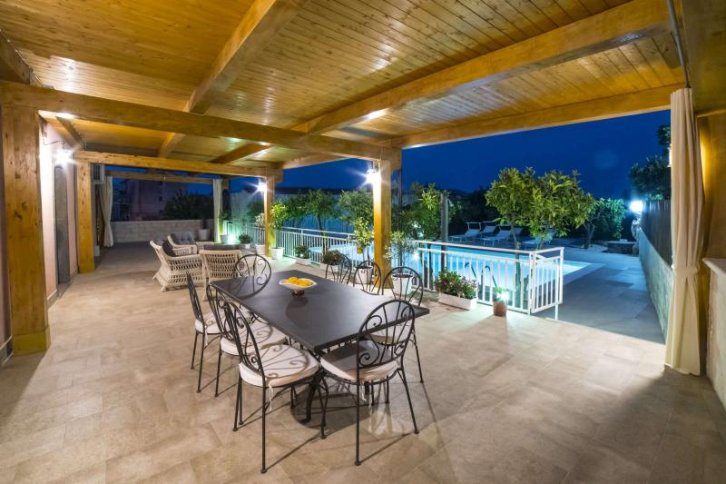 Villa Venere Pool Apartment, location de vacances à Piedimonte Etneo