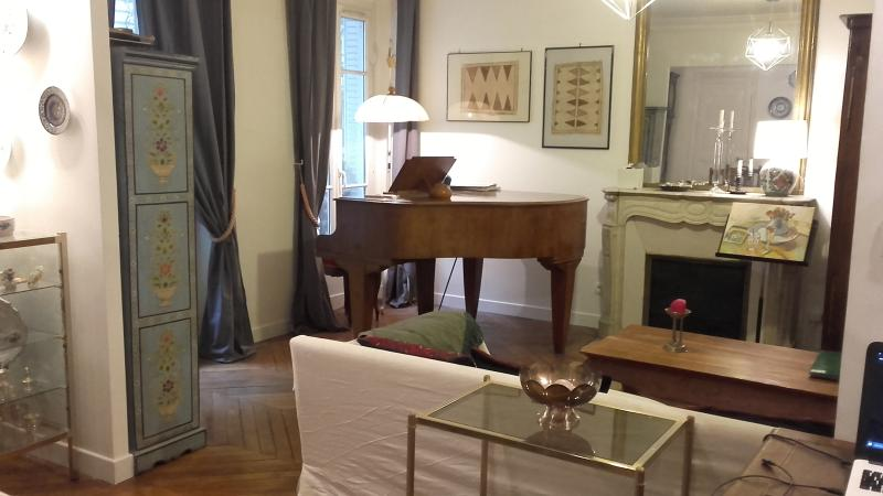 4 rooms 80 m2 Gare du Nord with Grand Piano, vacation rental in Ivry-sur-Seine