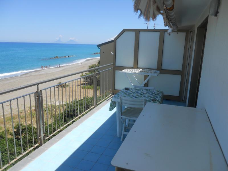Wonderful Apartment on the Beach in Sicily, casa vacanza a Rocca di Capri Leone
