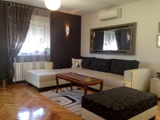 Modern apartment near beach, vacation rental in Brodarica