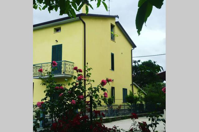 Frate Leone B&B, casa vacanza a Tordandrea