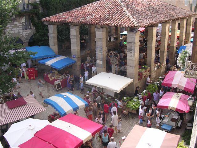 le marché de Saint-Antonin