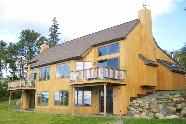 Saddleback Mountain On Slopes 3-4BR Ski-in/out Condo Near Rangeley, holiday rental in Kingfield