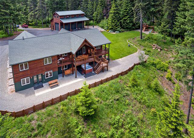 Incredible Aspen Lodge! Year Round Specials | Hot Tub | Sledding Hill | 5 AC, location de vacances à Cle Elum