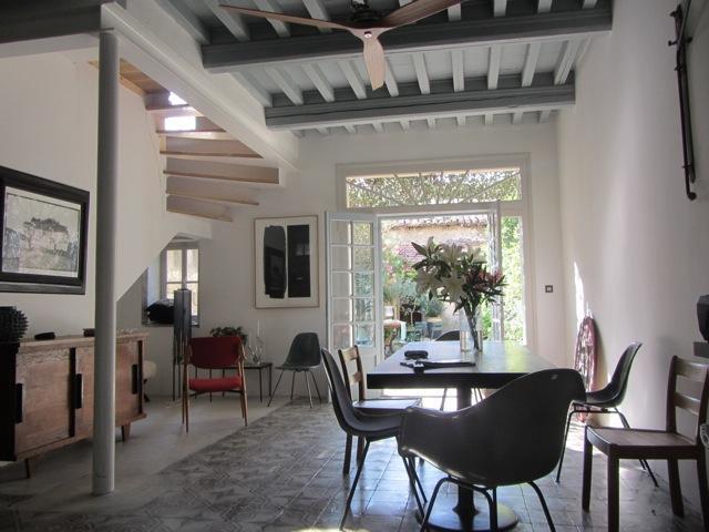 Charming house with garden in the heart of ARLES, aluguéis de temporada em Fourques