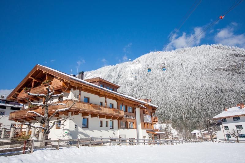 Chalet Royal: 8 Schlafzimmer Ferienhaus mit privatem Wellnessbereich - direkt neben dem Skilift