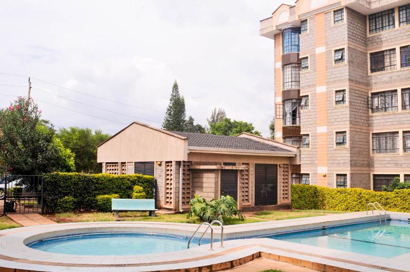 3 bed 3.5 bath Elegant KileApt, holiday rental in Nairobi