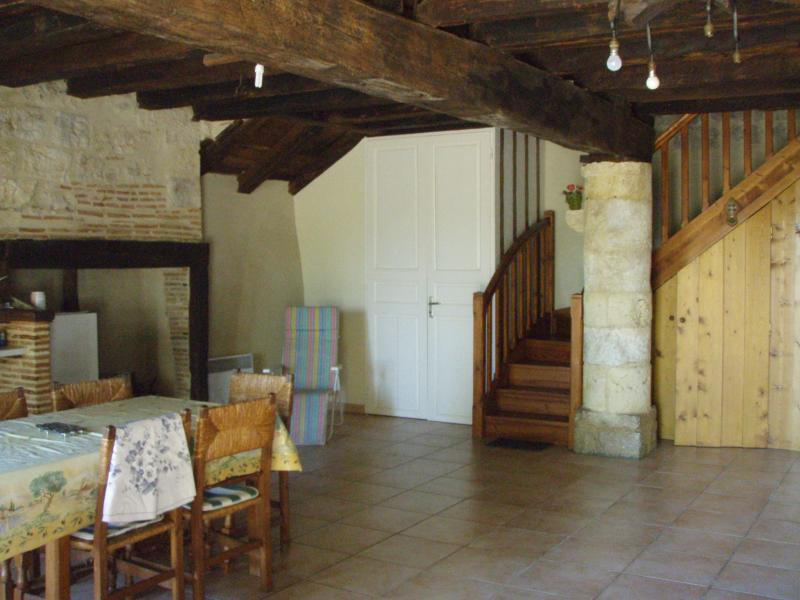 Gite 2 étages Sur le Chemin De Saint Jacques, vacation rental in Larressingle