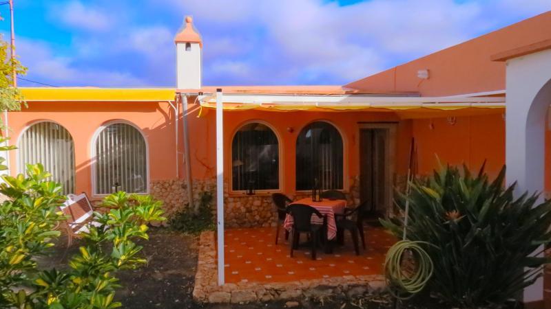 Villa Guayarmina, location de vacances à Triquivijate