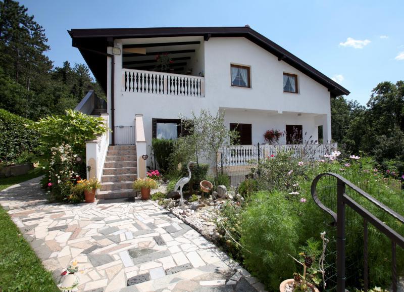 FEWO ZWEI - Ferienwohnung, holiday rental in Drazice