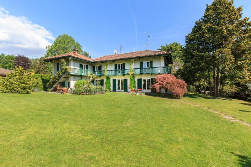 Villa Ida, Lesa Lago Maggiore - NORTHITALY Case vacanze