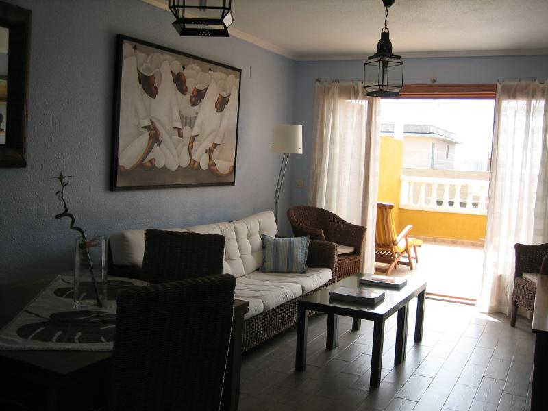 Duplex con piscina y vistas al mar, location de vacances à Santa Pola