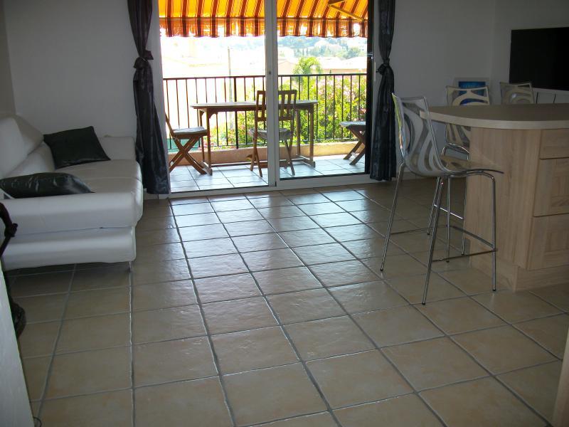 Appartement T2 au calme, holiday rental in Carqueiranne