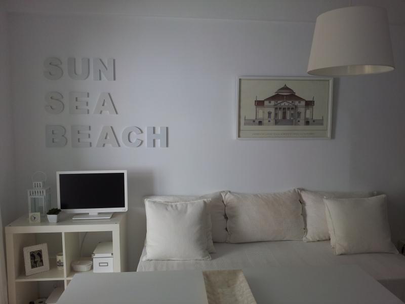Apartamento de lujo. Primera línea de playa. Cádiz, casa vacanza a Cadice