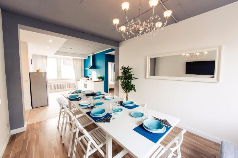 Heval's 4-Room Grand Apartment, holiday rental in Mahlow