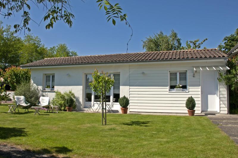 La maison d'Antoinette, casa vacanza a Saint-Medard-en-Jalles