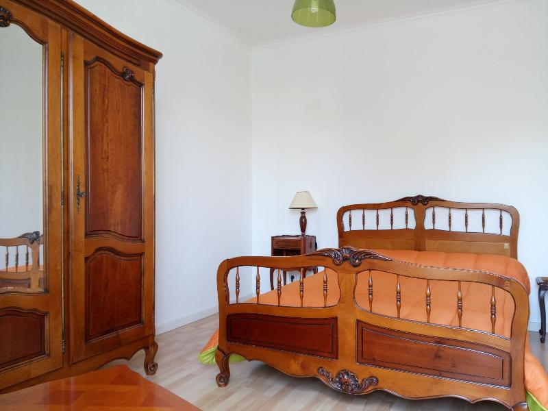 Appartement F2, holiday rental in Combes