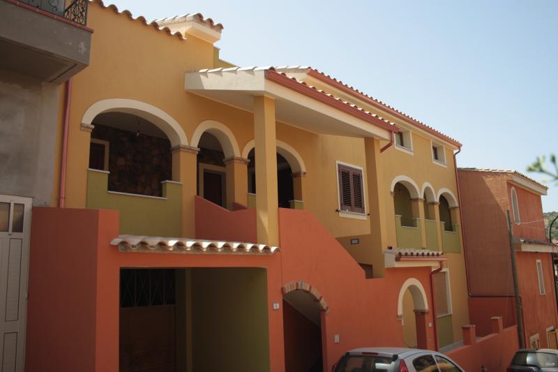 Mansarda di nuova costruzione, alquiler de vacaciones en Villasimius