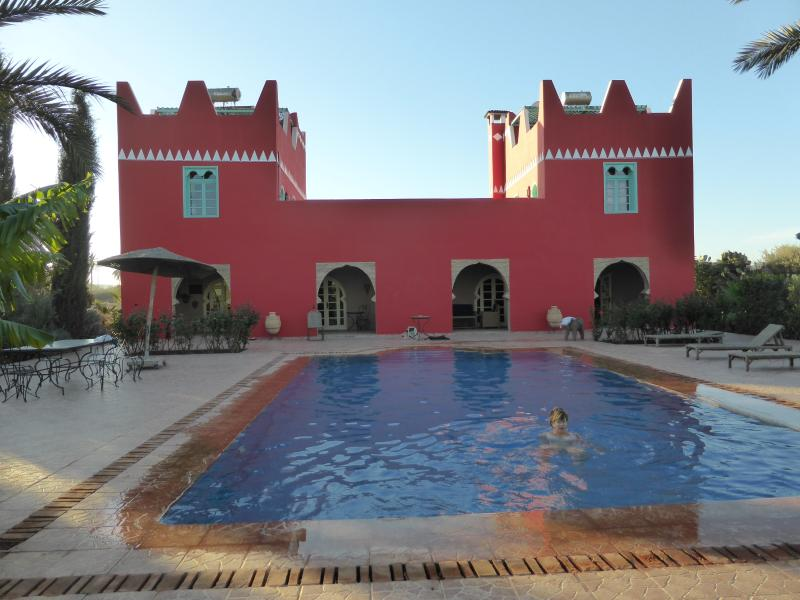 Beautiful villa riad, swimmingpool, garden, cooker, holiday rental in Oulad Teima