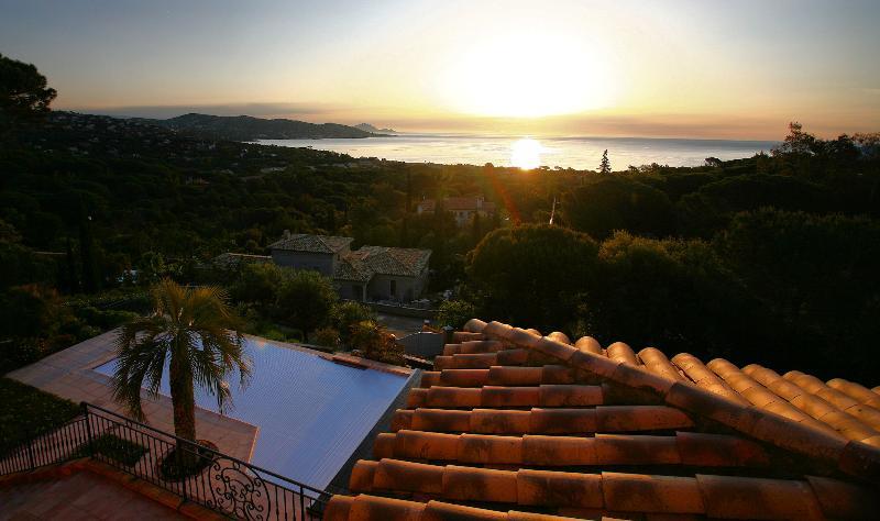 Magnifique villa vue mer avec piscine 8 pers, location de vacances à Sainte-Maxime