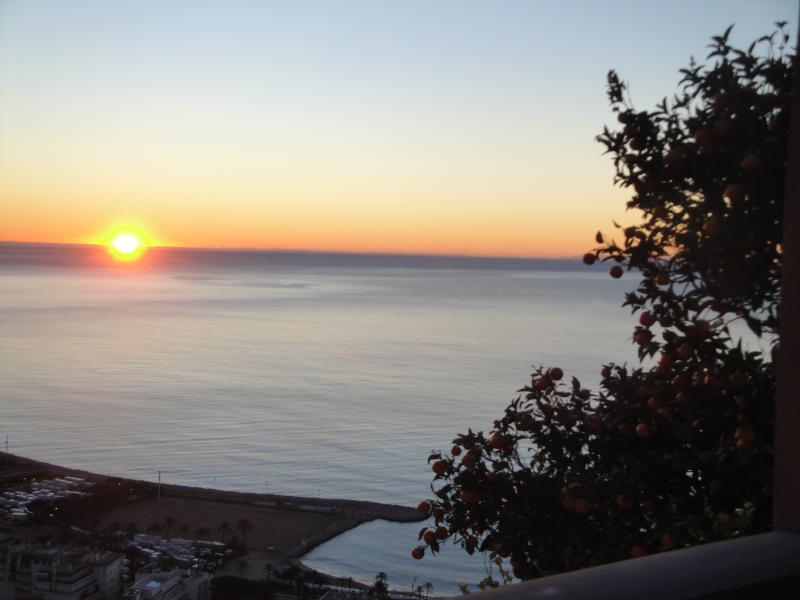 Lever de soleil sur la baie