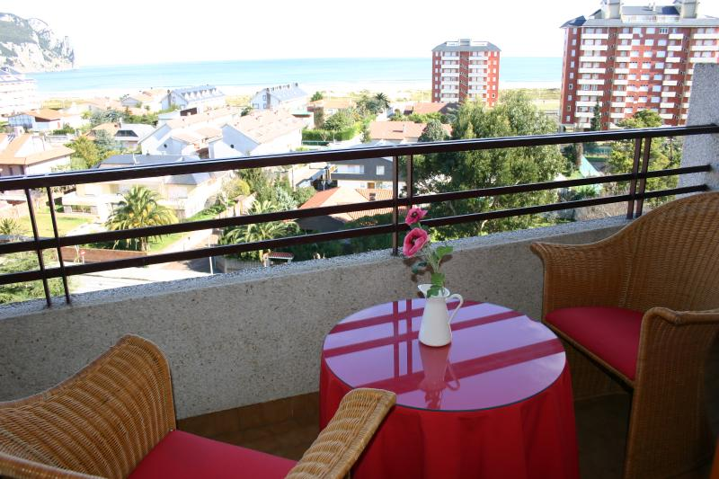 LAREDO-APARTAMENTO JUNTO AL MAR, holiday rental in Gibaja
