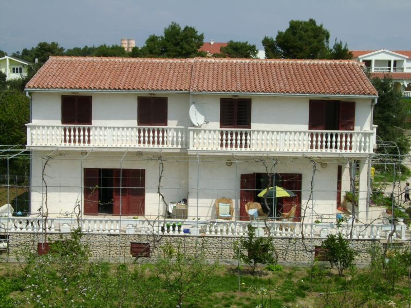 Haus Marija - Blick auf den Garten