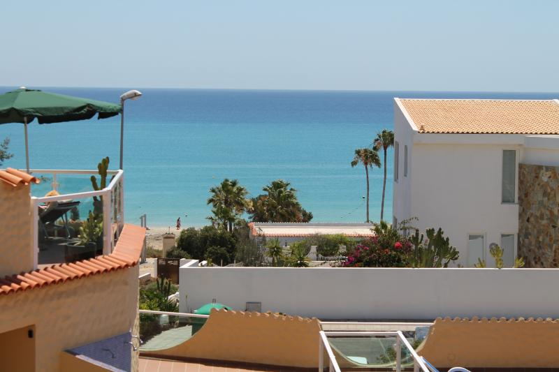 Traumapartment mit meerblick Hibiscus weissen sandstrand 50m Costa Calma, vacation rental in Costa Calma