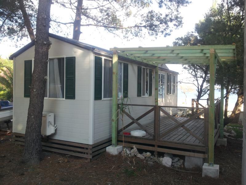 mobile homes Sita by the sea, alquiler de vacaciones en Vir