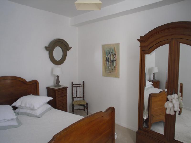 Appartement Volendam, vacation rental in Genlis