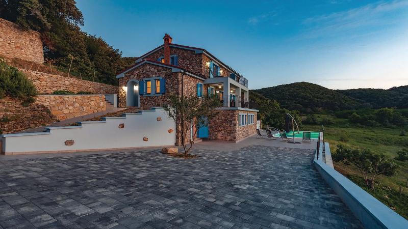 villa Lapida, alquiler de vacaciones en Supetarska Draga
