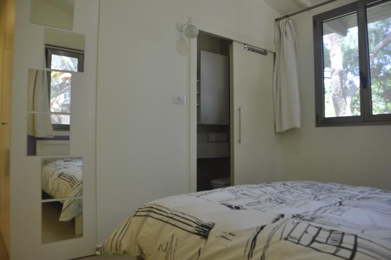 Main bedroom & Bathroom unit