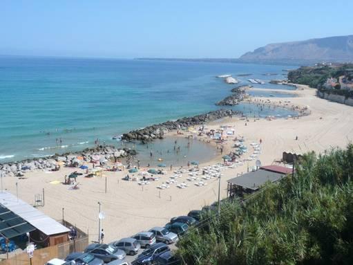 una delle spiagge di Trappeto