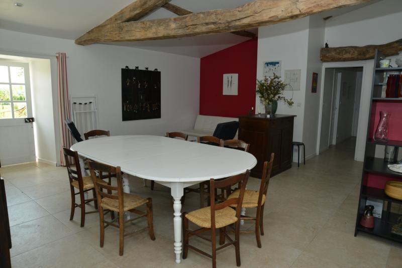 gite dans un chateau Périgord vert, vakantiewoning in Cherval