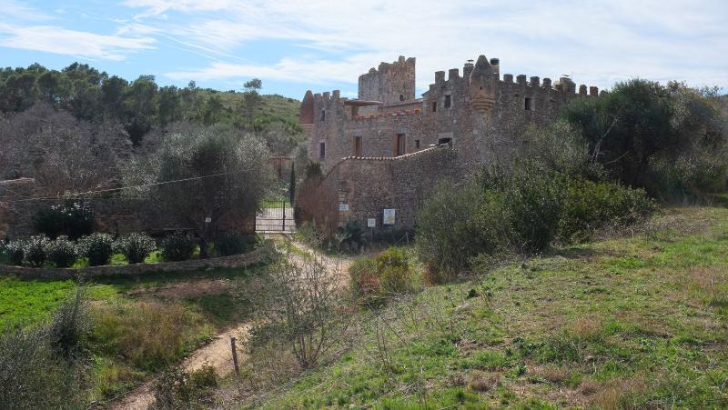 La casa  (masia fortificada), aluguéis de temporada em Sant Mori