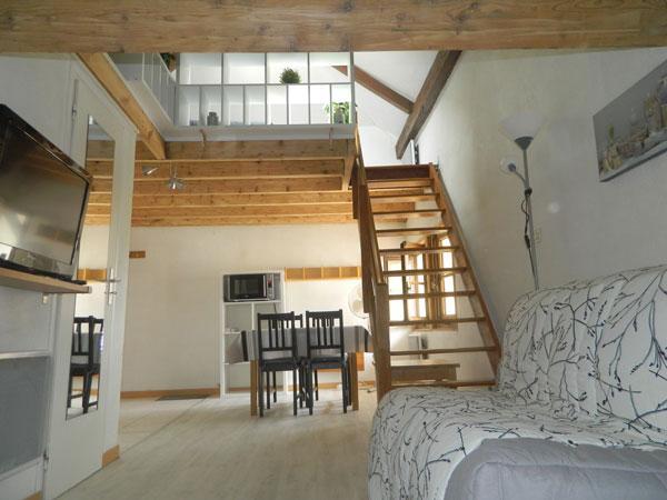 ANNECY DUPLEX MANSARDE 2 PERS, holiday rental in Cran-Gevrier