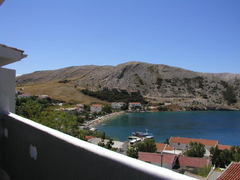 Apartments Bingula, Apartment Zrce B1, location de vacances à Metajna
