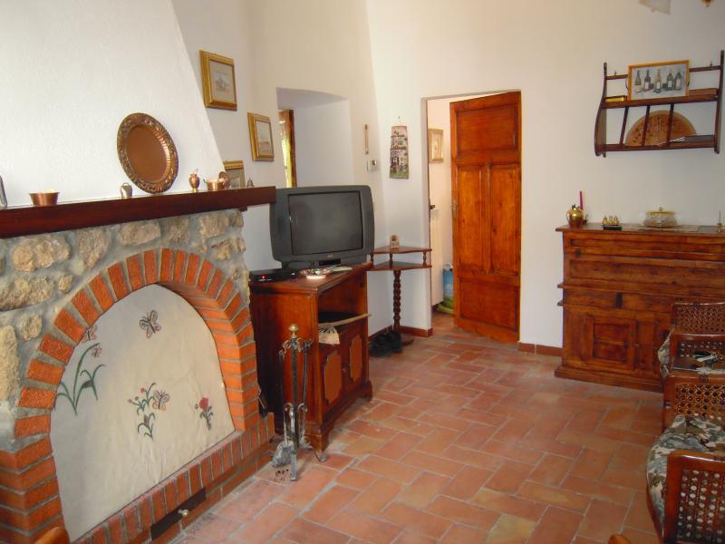 casa vacanza MIMOSA, holiday rental in Bagnore