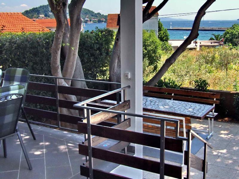 Apartments Diana  A 6, holiday rental in Preko