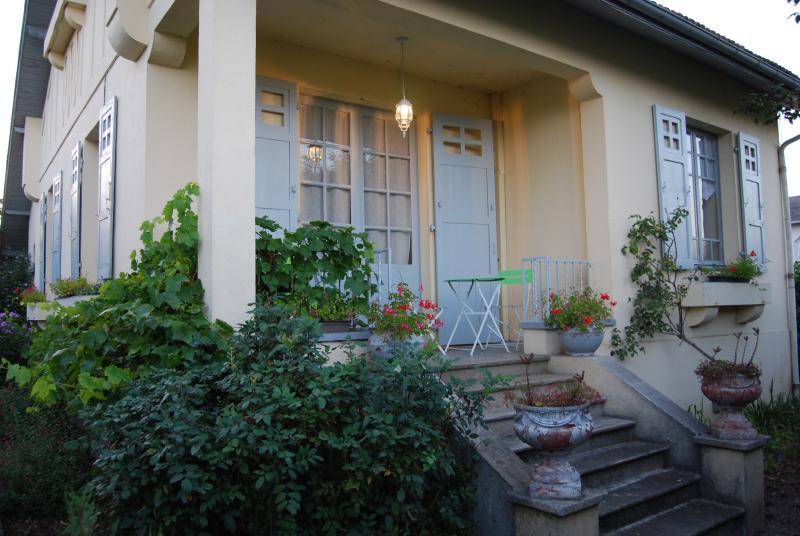 villa a 100 m de tarbes sud, holiday rental in Chelle Debat