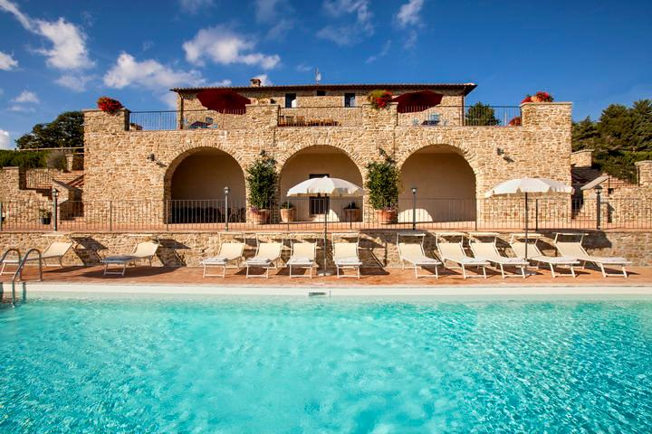 Villa Gosparini fascinating pool overlooking Lake, vacation rental in Lisciano Niccone